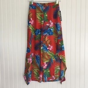 NWT Design Lab Red Floral Ruffle Slit Pants S